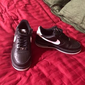 Nike Air Force 1 Great Condition Black Sneakers